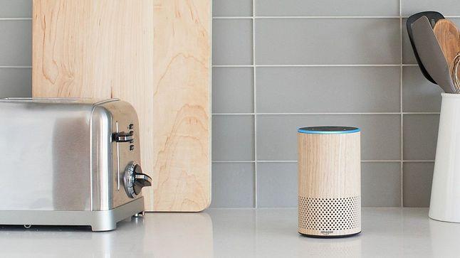 Amazon Echo – jeden z domowych głośników z głosową asystentką Alexa, fot. materiały prasowe.