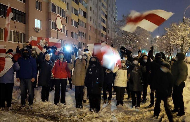 """Białoruś. Wiceminister radzi, by protestującym """"strzelać prosto w głowę"""""""