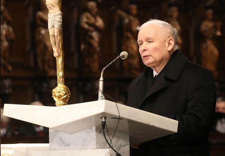 """Kaczyński przy ołtarzu. """"Wielki cios i ból"""""""