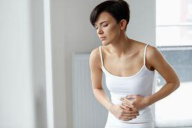 Rzekomobłoniaste zapalenie jelit – przyczyny, objawy, leczenie