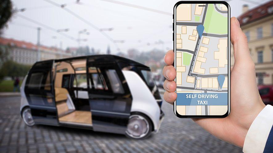 Rola kierowcy w pojazdach przyszłości ograniczy się do wybrania celu podróży (depositphotos)