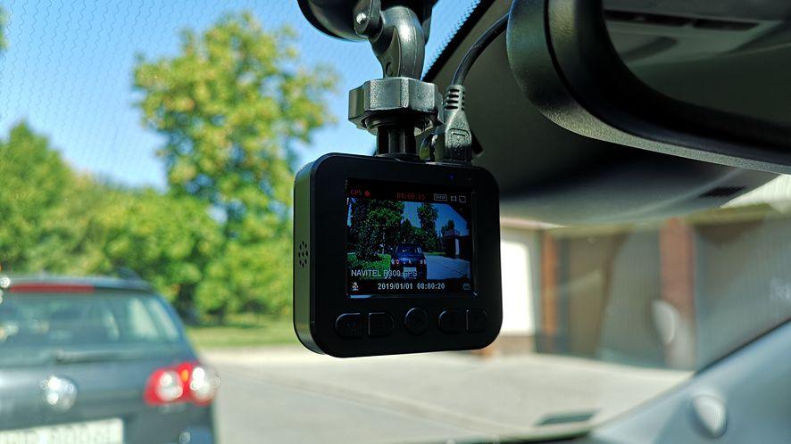 Rozsądnie wyceniona i nieźle wyposażona kamerka z modułem GPS