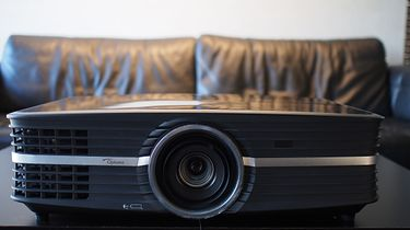 Projektor 4K Optoma UHD65. Gdzie trzech się (nie) bije, tam czwarty...