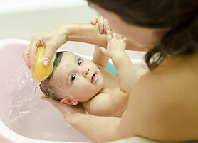 Bezpieczna kąpiel maluszka