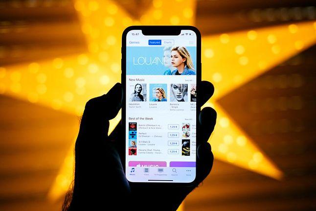 iPhone X z depositphotos