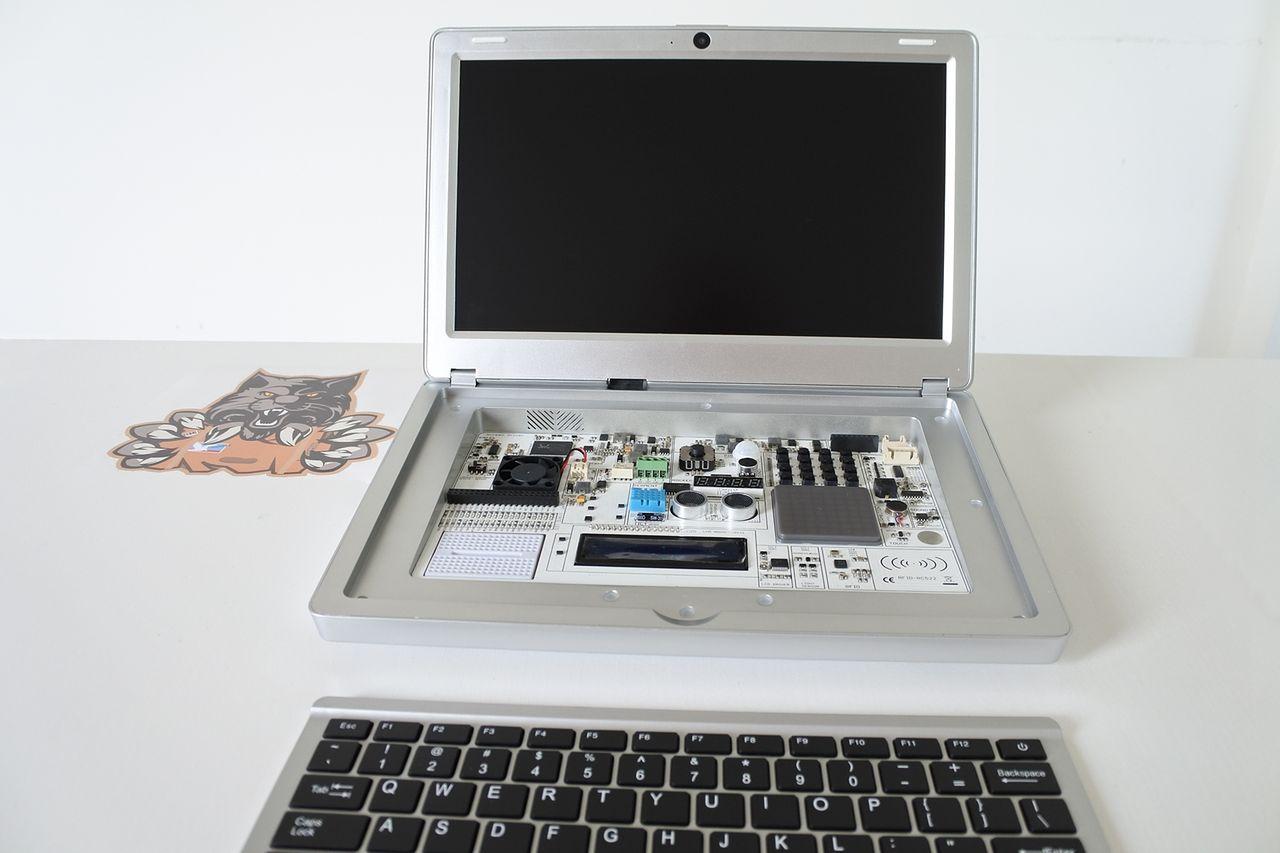 CrowPi2 - Raspberry Pi Laptop i platforma edukacyjna STEM w jednym — Unboxing #1