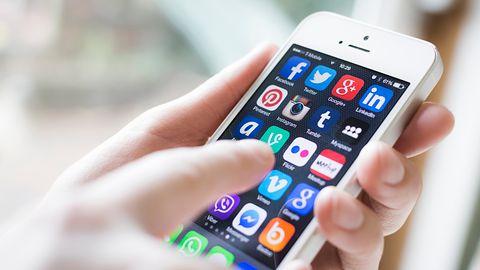 Smartfon jako prezent na Pierwszą Komunię – wybraliśmy 7 najlepszych