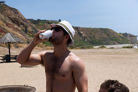 Sprawdź, dlaczego nie powinno się pić zmrożonych napojów podczas upałów