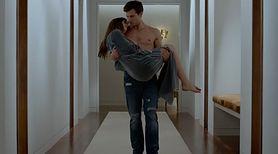 4 pikantne sztuczki Christiana Grey'a, które możesz wykorzystać w sypialni (WIDEO)