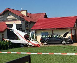 Krosno. W jaki sposób samolot znalazł się na podwórku i uszkodził auto?