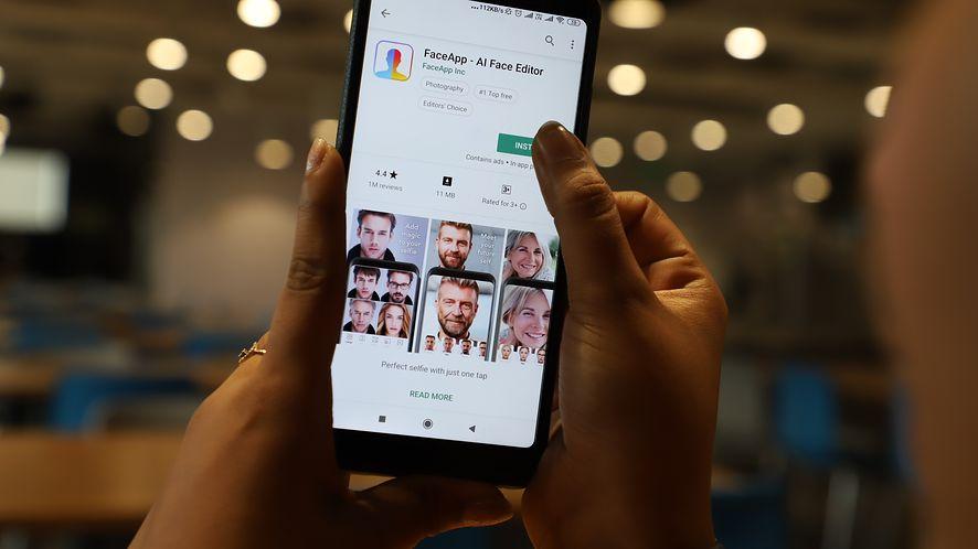 Pokazujemy, jak usunąć FaceApp (Getty Images)