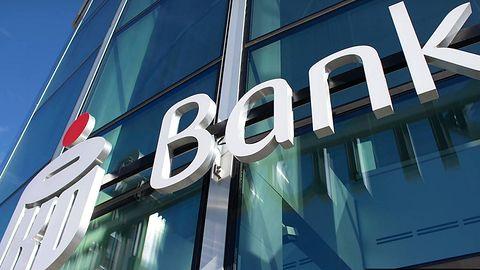PKO BP ostrzega: oszuści podszywają się pod pracowników banku