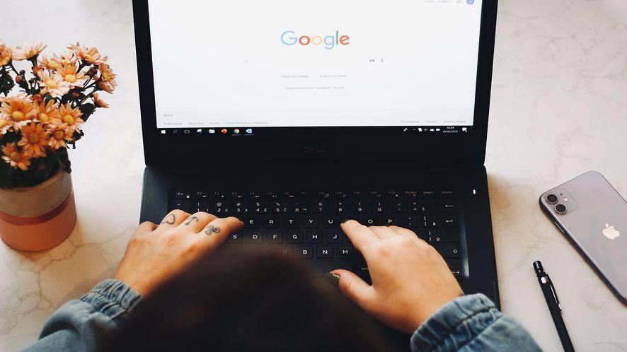 Polacy skarżą się na dziwny komunikat Google. Dostałeś? Zatem, nie rozumiesz idei haseł