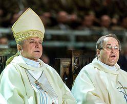 """""""Zabawa w chowanego"""" dotarła do Watykanu. Edward Janiak może stracić stanowisko"""