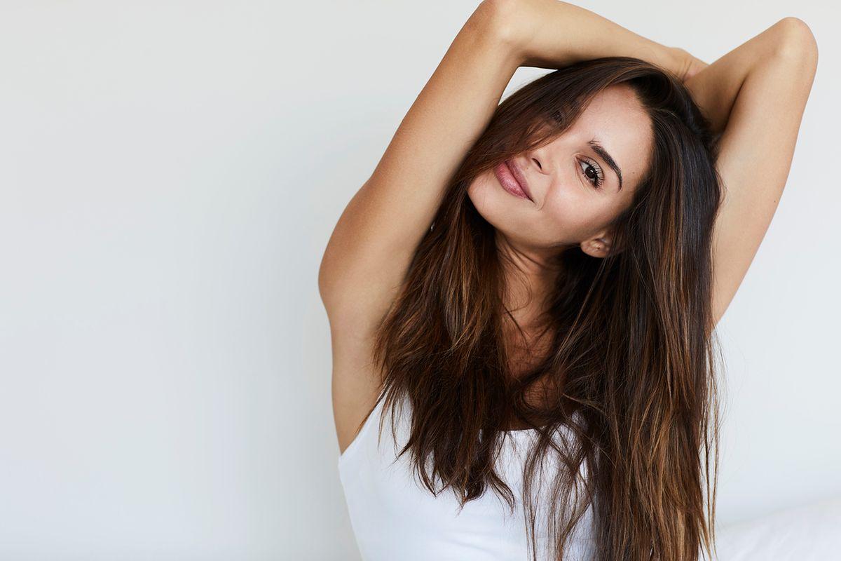 Brązowe włosy - jakie refleksy dla szatynki?