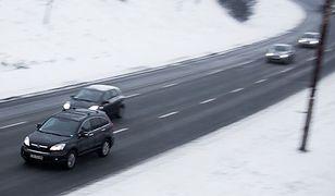 Zimowe opony w Europie: gdzie trzeba ich używać?