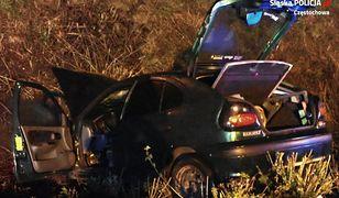 Częstochowa. Jedna osoba zginęła, gdy samochód wylądował w rowie.