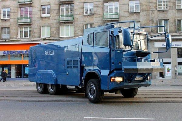 11 alarmów bombowych w stolicy. Policja sprawdza rządowe budynki