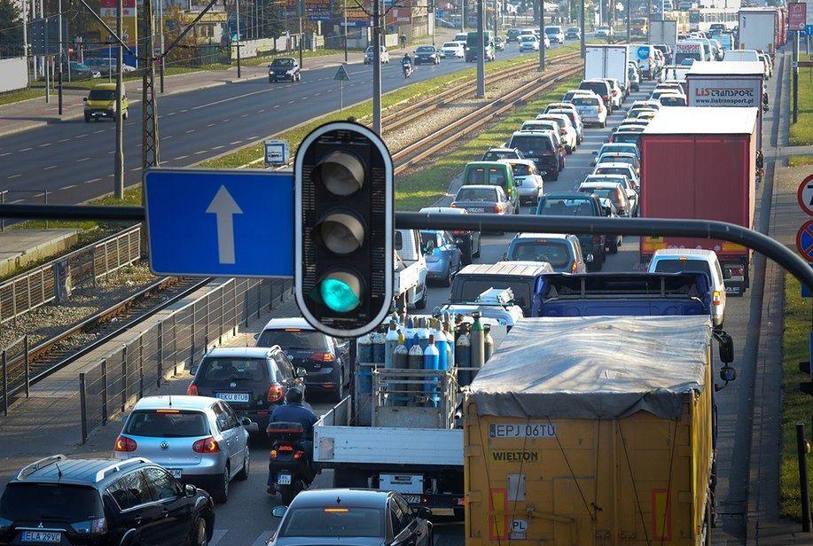 Konferencja bliskowschodnia w Warszawie. Duże utrudnienia w ruchu drogowym i zmiany w komunikacji miejskiej
