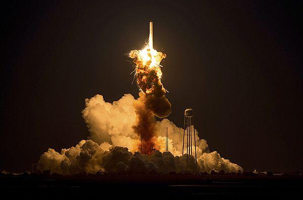 Eksplozja rakiety Antares