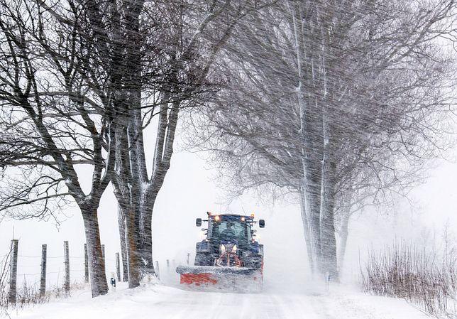 Śnieg spowodował zamknięcie wielu dróg w Czechach