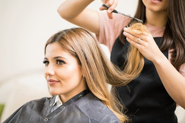 Cieniowanie włosów to jeden z podstawowych zabiegów stosowanych przez fryzjerów