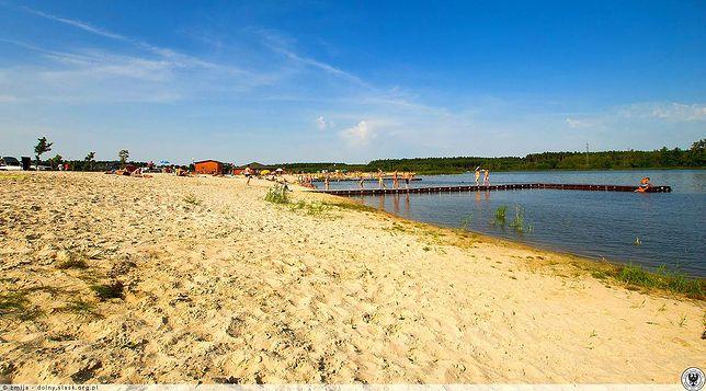 Tu plażują mieszkańcy Wrocławia - Zalew w Stradomi Wierzchniej, gmina Syców