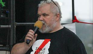Sprawca napaści sprzed Sejmu zatrzymany. Pobił i okradł Macieja Bajkowskiego
