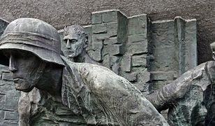 """""""Właściwie bronili się tylko Polacy. Tak, oni bili się jak lwy"""""""