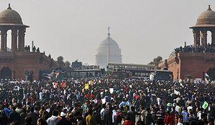 Protest w Nowym Delhi po jednym z brutalnych gwałtów w Indiach, 22 grudnia 2012 r.
