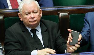 Jarosław Kaczyński ma przejść operację kolana jeszcze w tym roku