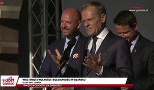 Donald Tusk: wasza telewizja publiczna, nasz internet