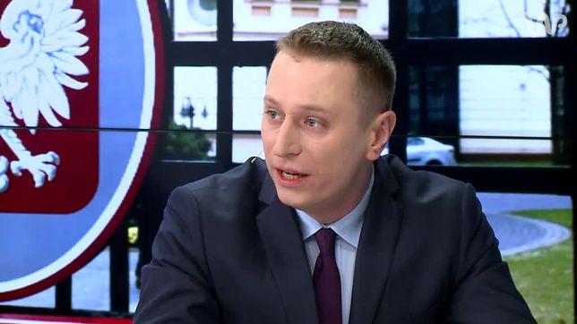 """""""Oddajcie kasę"""" - Brejza apeluje do ministrów o zwrot """"pseudonagród"""""""