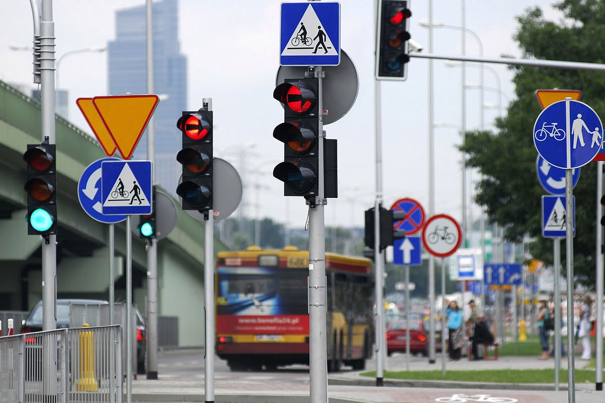 Uwaga kierowcy. Nieoznaczone kamery na skrzyżowaniach. Sypią się mandaty