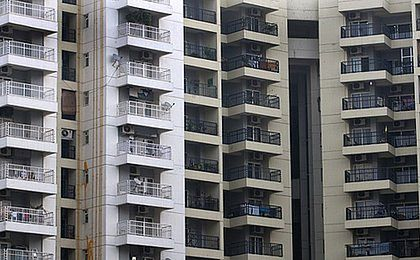 GUS: liczba pozwoleń na budowę mieszkań w lutym spadła o 5,3 proc. rdr