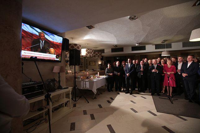 Sztab wyborczy PiS w Kielcach. Partia odniosła tam wspaniałe zwycięstwo w sejmiku wojewódzkim
