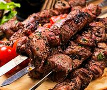 Anna Starmach zdradziła przepis na kebab jagnięcy i sos miętowy