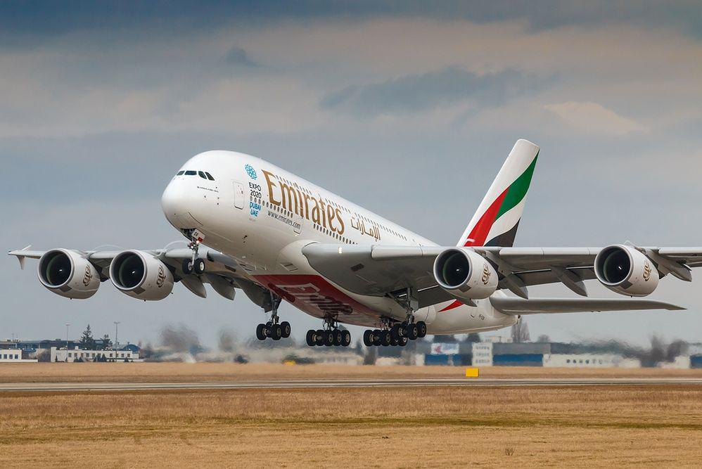 """Emirates wprowadza nadzwyczajne środki ostrożności. """"To niedorzeczne"""""""