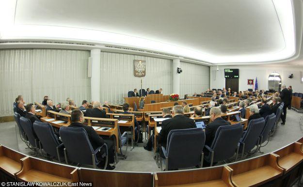 Senat uczcił uchwałą jubileusz 1050-lecia Chrztu Polski