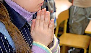 Szokujące treści w podręczniku do religii. W te słowa trudno uwierzyć