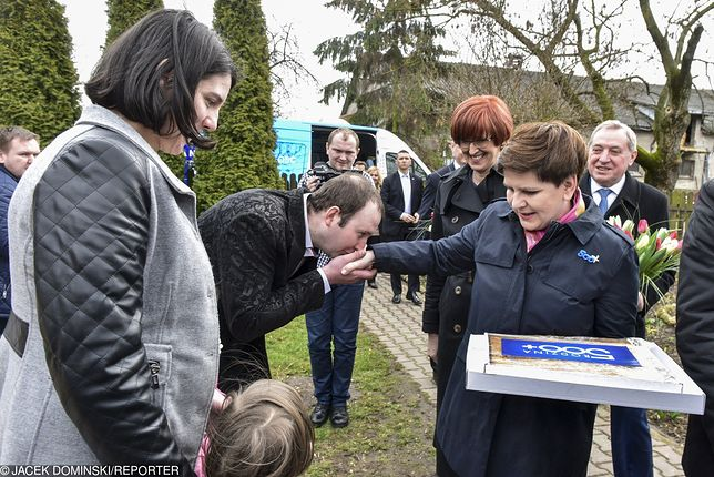 """Beata Szydło jest symbolem zbliżenia PiS-u do potrzeb """"zwykłych ludzi"""""""