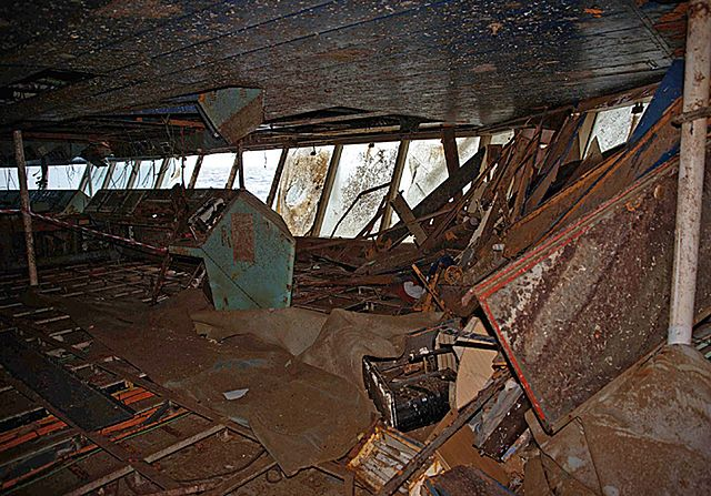 Zniszczenia we wraku Costa Concordia są ogromne