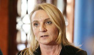 Posłanka zrezygnowała z uposażenia i zatrudniła się w pomocy społecznej. Może zostać ukarana
