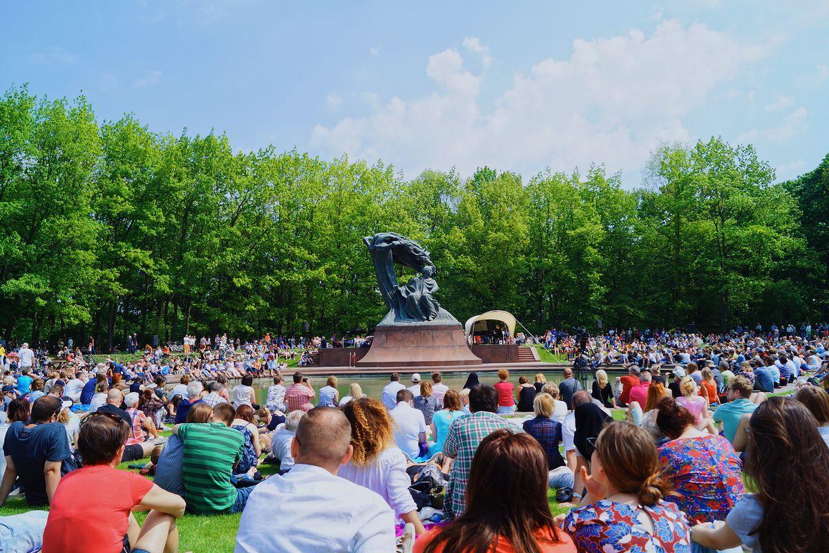 Wracają koncerty Chopinowskie w Łazienkach Królewskich. Znamy program występów