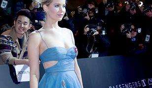 LOOK OF THE DAY: Jennifer Lawrence w błękitach Diora