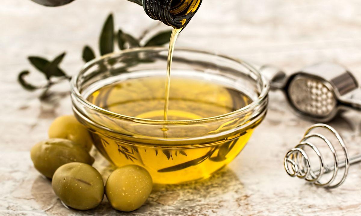Oliwa z pierwszego tłoczenia: jak rozpoznać dobrą oliwę?