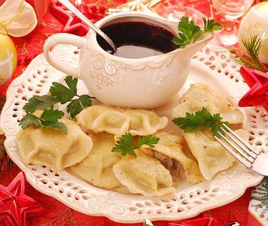 Przepisy na potrawy wigilijne: pierogi z kapustą i grzybami, barszcz, karp. Znajdź przepis na świąteczne danie.