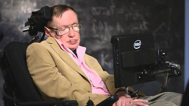 Stephen Hawking: w ciągu 100 lat sztuczna inteligencja przejmie władzę nad światem