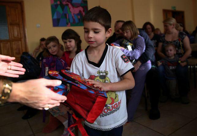 Dzieci ewakuowane z Donbasu idą w poniedziałek do polskich szkół