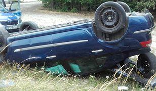 Mężczyzna uderzył w znak przy drodze pod Tarnowem